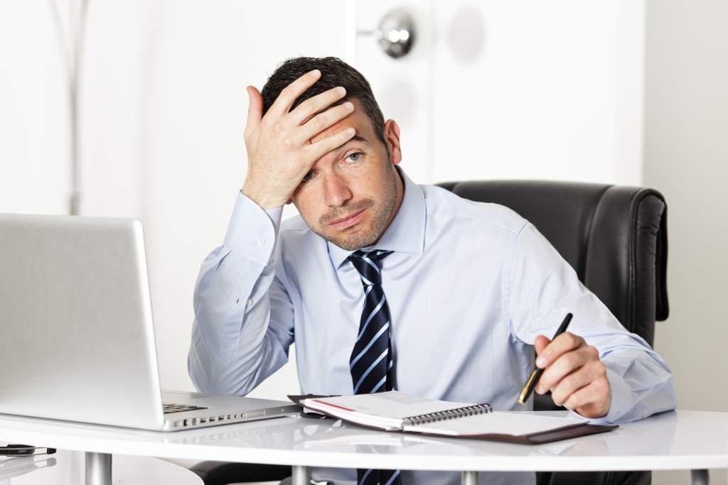 Стресс из-за чрезмерной нагрузки на работе