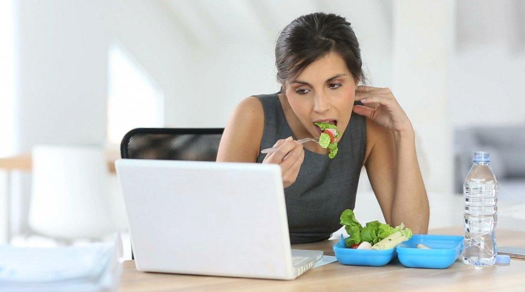 Неправильное питание на работе